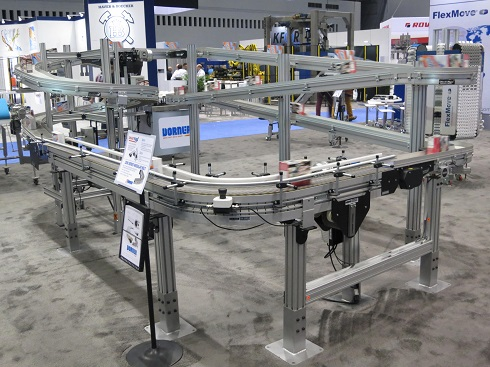 SmartFlex Twist conveyor on display at Chicago Expo
